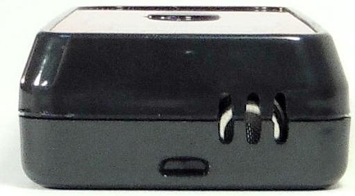 Сенсор для взятия пробы расположен в удобном месте на верхней стороне алкотестера